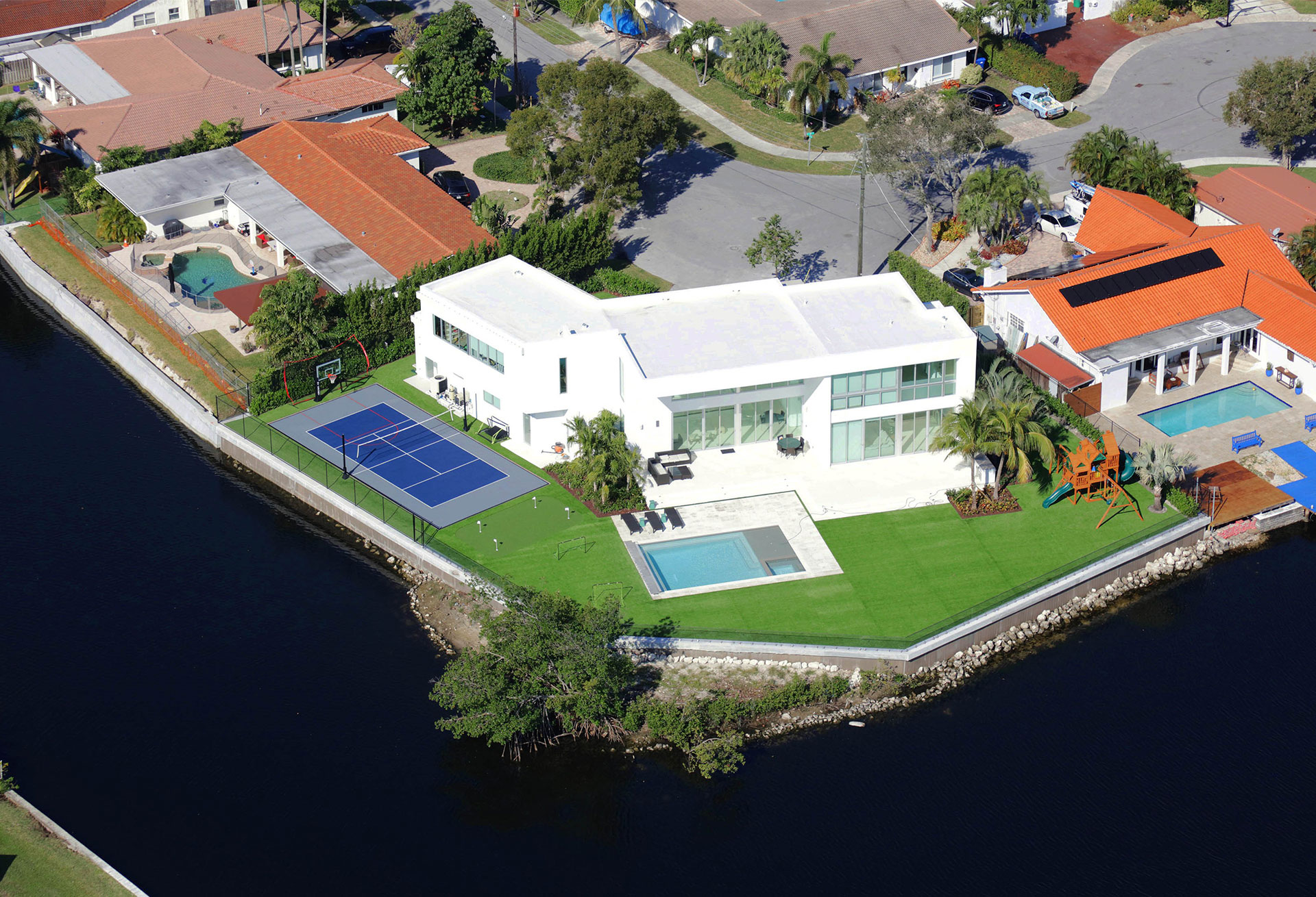 Landscaping Design at Lake Point, North Miami Beach