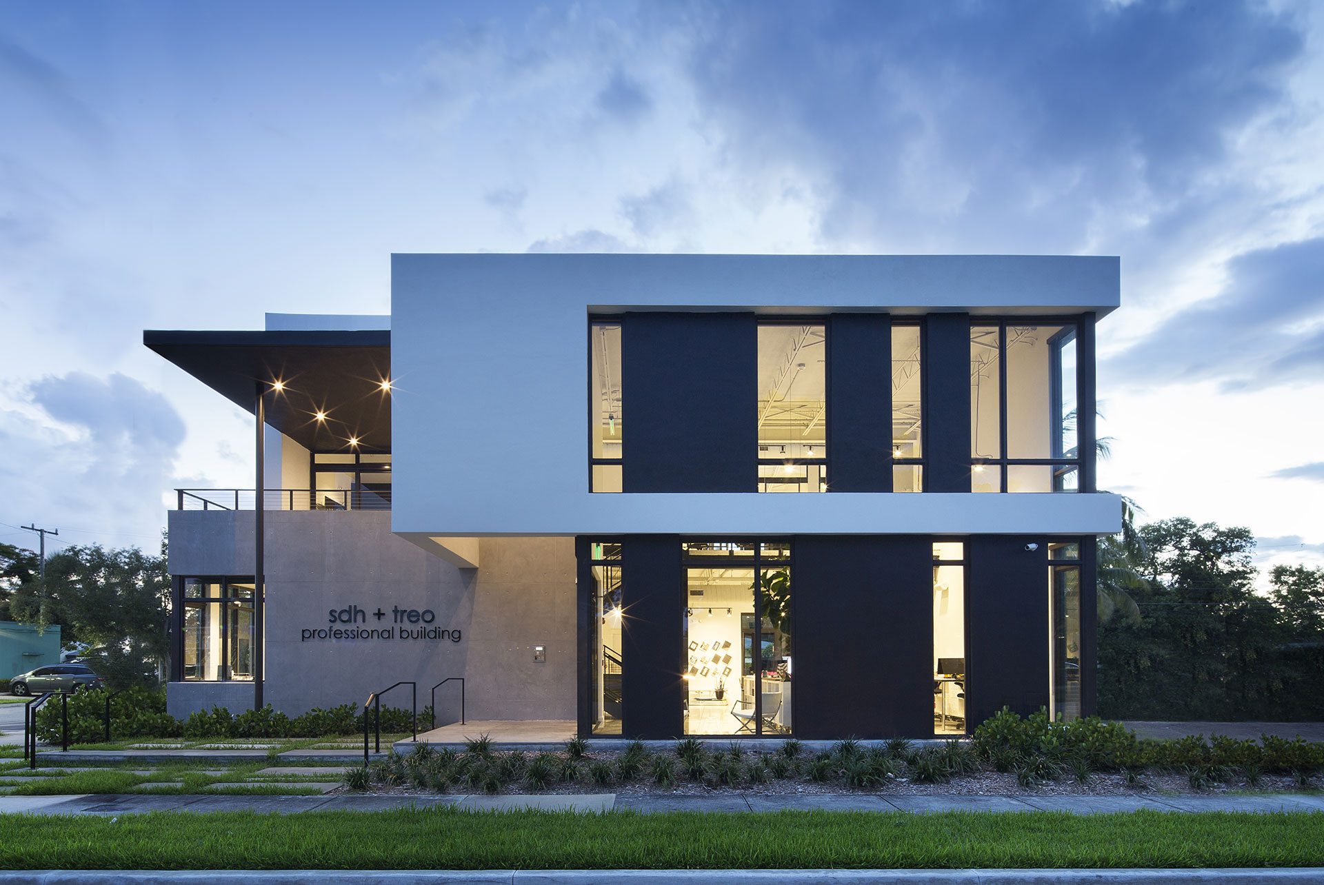 Front View Architecture project at 18200 NMB, Florida