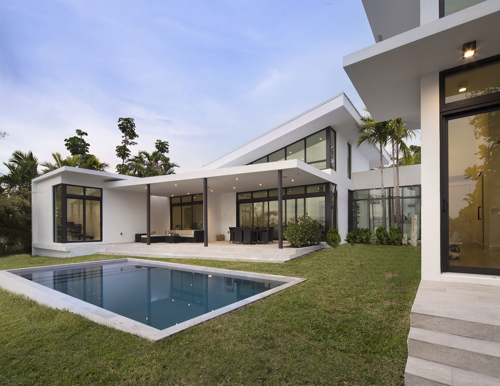 Back View Architecture project at Sky Lake I, Florida
