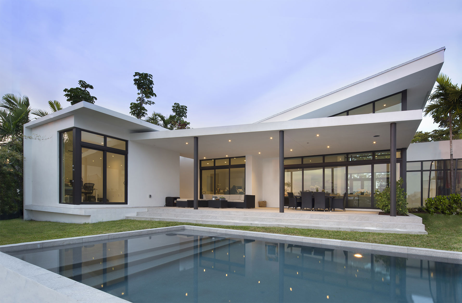 Exterior Architecture swimming pool view project in Sky Lake I, Florida