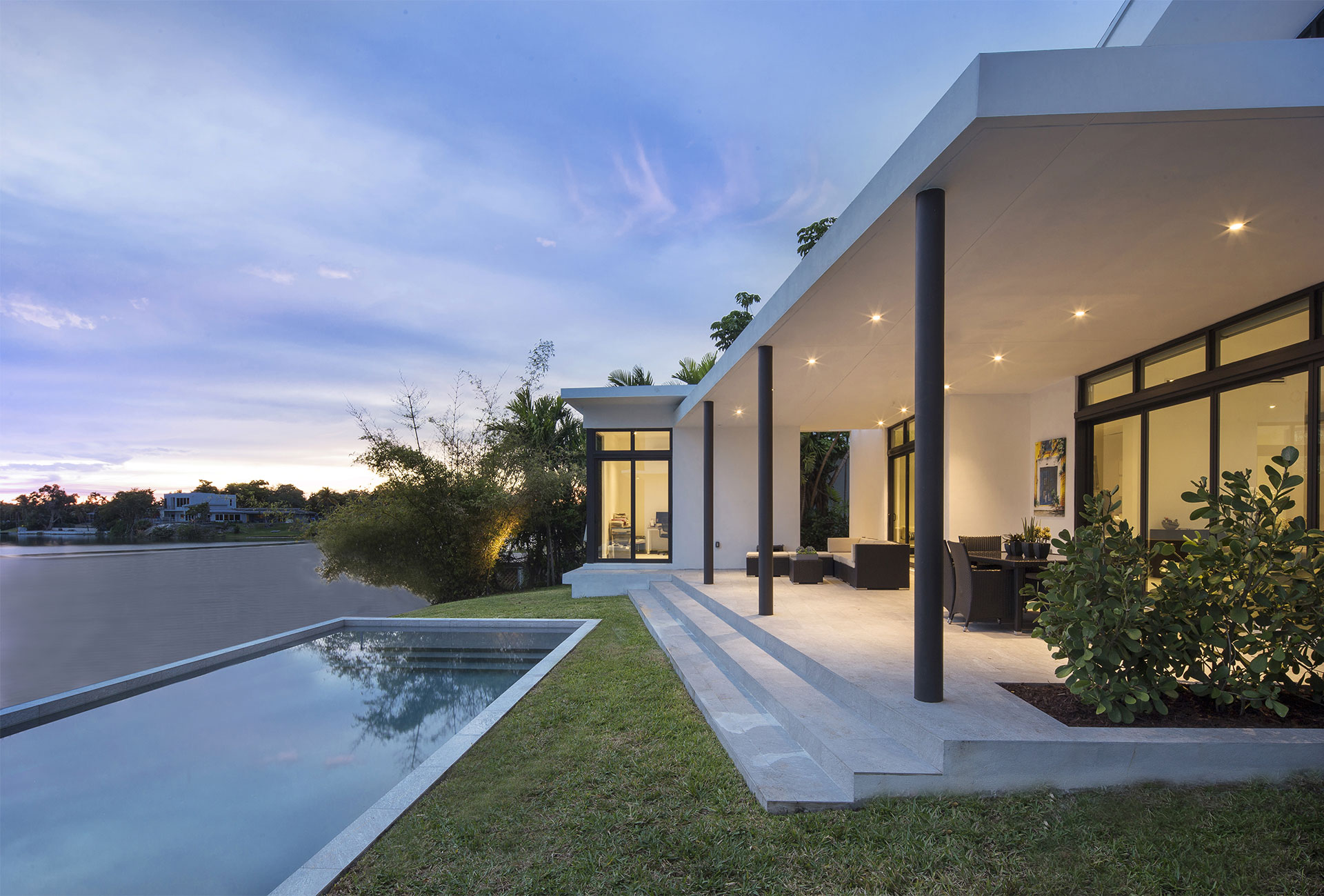 Exterior Architecture terrace side view project in Sky Lake I, Florida